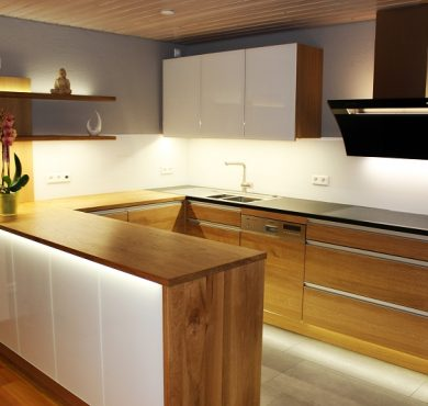 Küche  -Eiche & Glas-