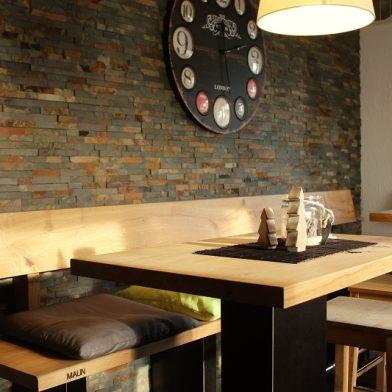 Clubhaus Einrichtung - Ansicht Tisch