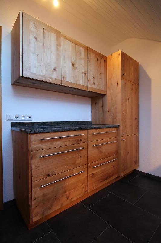 Küche aus Kirschbaum - Ansicht Schränke