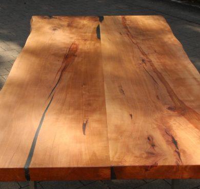 Esstisch aus Birnbaum