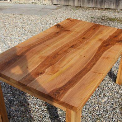 Nußbau Tisch (3)
